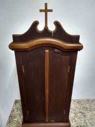 Oratório de madeira trabalhada antigo - 2 portas- 1,00 alt- 46 cm larg- 25cm prof