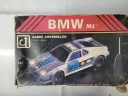 Título do anúncio: carrinho de controle remoto vintage bmw m1<br><br>