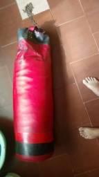 Vendo saco de boxe profissional por R$80