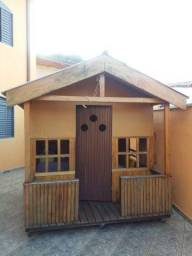 Casa de criança, rodinha e montagem no local