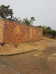Vendo terreno com construção em Pinheiral