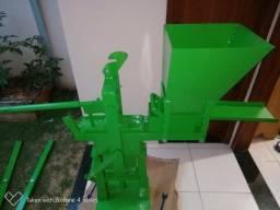 Maquina de tijolo ecológico manual