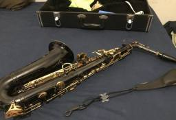 Saxofone profissional alto Powerbeats
