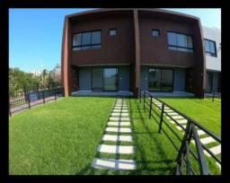 Casa em Patamares com 3 quartos em 129m², Nascente - Dependência com 2 Vagas,
