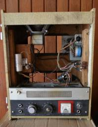 Amplificador valvulado Akai