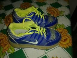 Tênis Nike original semi novoooo!!! 30/31