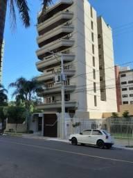 Alugo Apartamento mobiliado 1 por andar com 2 vagas de garagem coberta
