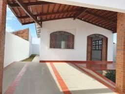 Casa Loteamento Ipanema, próximo ao Araujo do Tangara