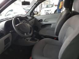 Clio 2011 1.0 - Abaide Automóveis