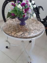 OPORTUNIDADE:  Jogo de cadeiras e mesinha de centro para a sua varanda ou jardim.