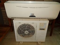 Título do anúncio: Vendo ar condicionado York 12.000 btus