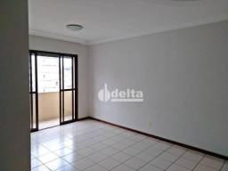 Apartamento com 3 dormitórios para alugar, 98 m² por R$ 1.400,00/mês - Santa Maria - Uberl