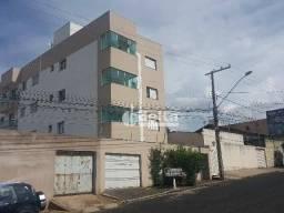Apartamento com 2 dormitórios para alugar, 50 m² por R$ 1.000,00/mês - Santa Mônica - Uber