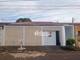 Casa com 5 dormitórios para alugar, 180 m² por R$ 1.700,00/mês - Jardim Patrícia - Uberlân