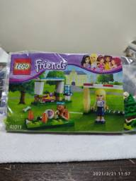 Lego 41011 - Lego Friends - Escola de futebol da Stephanie