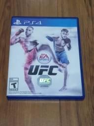 Título do anúncio: UFC EA sports PS4 semi novo