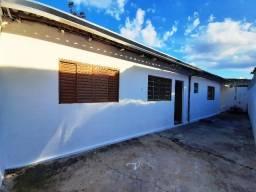 Título do anúncio: Edícula, 1 dorm, sala, coz e wc social, quintal, e garagem no Bosque dos Eucaliptos