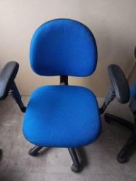 Título do anúncio: Nichos em madeira e cadeiras de escritório top