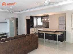 Apartamento à venda com 03 dormitórios, 02 vagas de garagens, na quadra do mar, em Balneár