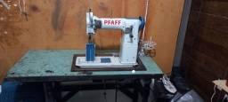 Título do anúncio: Vendo uma máquina de costura de coluna pfaff de 2 agulhas em perfeito estado