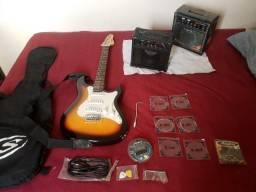 Título do anúncio: Guitarra Sts-100 + Amplificador Strinberg