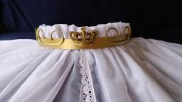 Dossel de parede arabesco luxo com cortinado em voil e renda