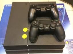 PlayStation 4 + 2 Controles (Funcionando Perfeitamente)