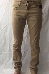 Calça jeans sarja Jogger e moletom com elastano