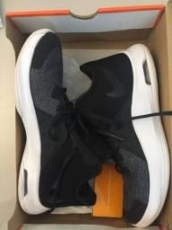 Nike Versatility III. Original com procedência comprovada