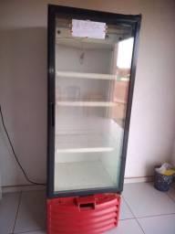 Freezer expositor no valor de R$ 1.500