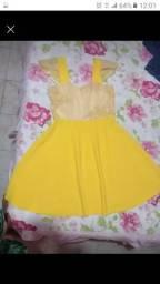 Dois vestidos semi novos