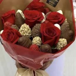 Buquê de chocolates com rosas