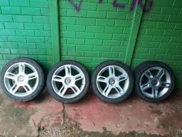 Roda 15 com pneus