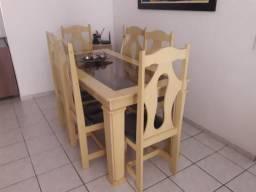 Vendo essa mesa super conservada