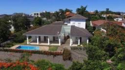 Casa na Ilha do Frade, piscina, vista para o mar e localização estratégica!