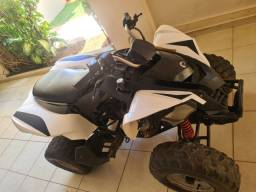 Quadrociclo Can am 250
