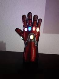 Luminária ou enfeite Manopla Homem de Ferro(leia)