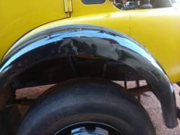 Caminhão boiadeiro 1516