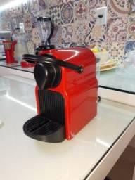 Título do anúncio: Cafeteira Nespresso c40