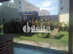 Apartamento com 2 dormitórios para alugar, 45 m² por R$ 500,00 - Chácaras Tubalina E Quart