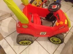 Carro infantil de pedal