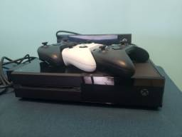 Xbox one 500GB + Kinect + 3 controles
