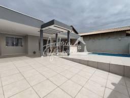 Título do anúncio: Casa com piscina tem 122 metros quadrados com 3 quartos em Jardim Icaraiba - Peruíbe - SP