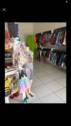 Vendo loja  de roupa .  Completa