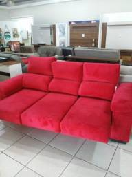 """Título do anúncio: Sofa Vermelho """"a un."""", no Din/Pix = 1.799,00"""