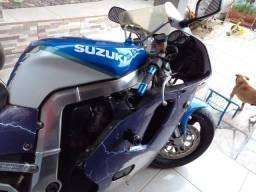 Título do anúncio: Suzuki GSXR 750cc