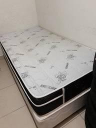 Título do anúncio: Vendo cama box com colchão