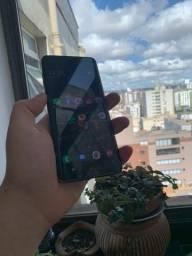 Título do anúncio: Samsung S9 Plus ( Trincado )