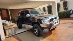 Título do anúncio: Toyota Hilux srv 3.0 4x4 diesel 2004