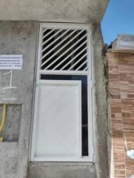 Variedades de portas de Aluminio, janelas e muitos outros serviços. Faça já seu orçamento